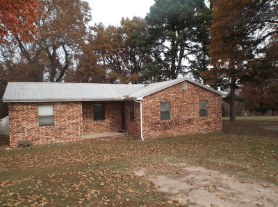 Boone County Single Family Home For Sale: 8324 Us-62