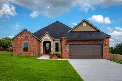 Boone County Single Family Home For Sale: 7 Ridgepoint Court