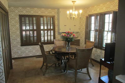 Boone County Single Family Home For Sale: 1011 W Nicholson Street