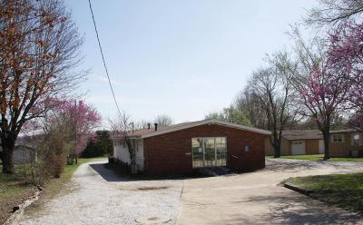 Boone County Commercial For Sale: 406 E Hwy 43