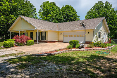 Boone County Single Family Home For Sale: 2648 Dairy Court