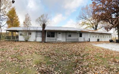 Boone County Single Family Home For Sale: 6585 N 7 Highway