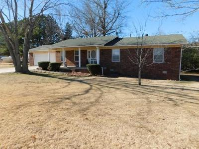 Boone County Single Family Home For Sale: 1350 Hawkins Street