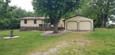 Boone County Single Family Home For Sale: 5988 Hog Creek Road