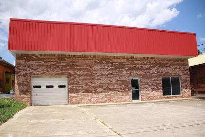 Commercial For Sale: 105 N Industrial Park Road