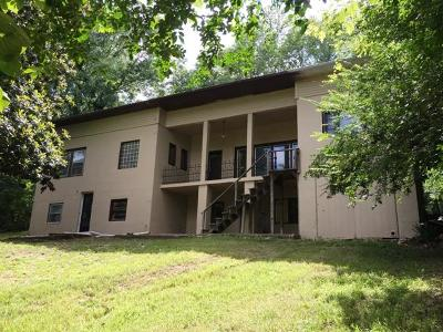 Boone County Single Family Home For Sale: 505 S Clifford Street