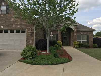 Single Family Home For Sale: 637 Willowbend Circle