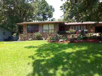Single Family Home Active - Contingent: 144 Arias Way