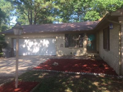 Single Family Home Active - Contingent: 108 Elice Cir