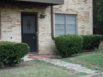 Garland County Condo/Townhouse Active - Contingent: 125 Carl Drive #52