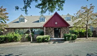 Single Family Home For Sale: 18 Manchester Ln