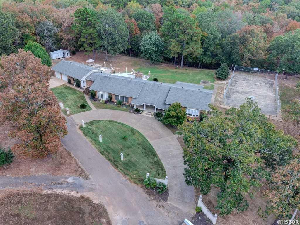 3 Bed 4 Baths Home In Hot Springs For 389 000