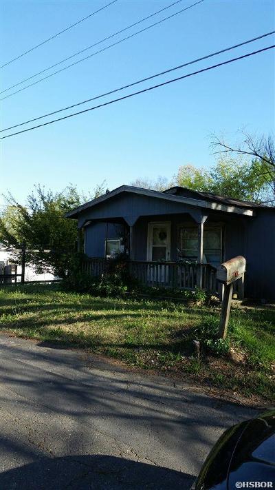 Single Family Home For Sale: 206 Boaz