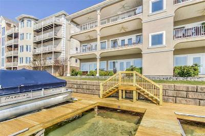 Garland County Condo/Townhouse Active - Contingent: 151-D Villa Pointe