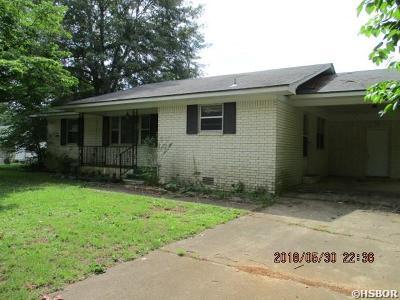 Malvern Single Family Home For Sale: 268 Bayshore Dr