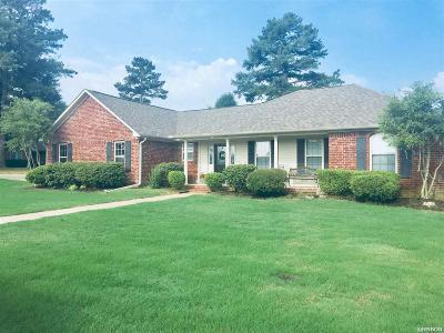 Hot Springs AR Single Family Home Active - Contingent: $189,000