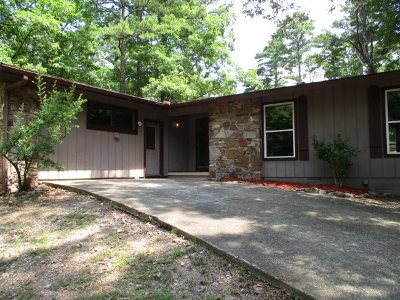 Single Family Home Active - Contingent: 3 Cambre Circle
