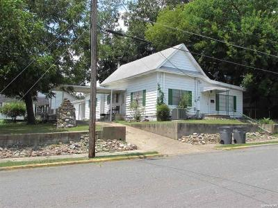 Single Family Home For Sale: 824 Sixth St