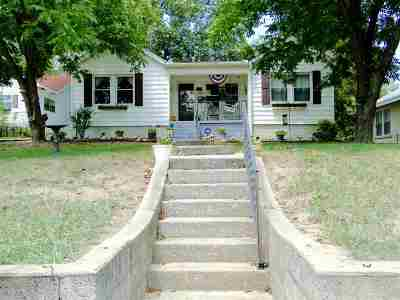 Single Family Home For Sale: 926 Rector St