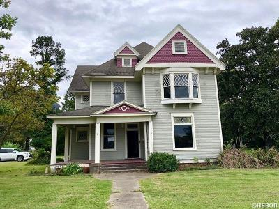 Single Family Home For Sale: 324 Main St