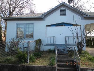 Single Family Home For Sale: 605 Oakcliff