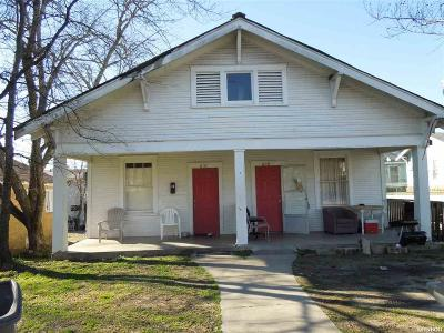 Garland County Multi Family Home Active - Contingent: 608 610 Oakcliff