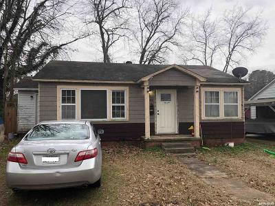 Malvern Single Family Home For Sale: 923 Pleasant St
