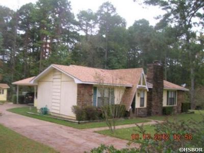 Bismarck, Fountain Lake, Glenwood, Hot Springs Village, Magnet Cove, Malvern Single Family Home Active - Contingent: 1224 Grayson Cir