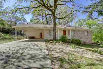 Hot Springs Single Family Home Active - Contingent: 107 Leemar