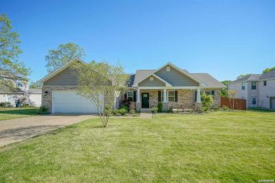 Garland County Single Family Home For Sale: 304 Cliffwood Lp