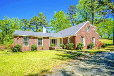 Malvern Single Family Home For Sale: 212 Country Club Dr