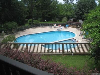 Garland County Condo/Townhouse For Sale: 200 Hamilton Oaks Dr #J-1