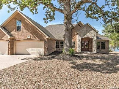 Bismarck, Fountain Lake, Glenwood, Hot Springs Village, Magnet Cove, Malvern Single Family Home Active - Contingent: 17 Utrera Lane