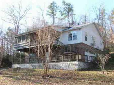 Single Family Home Sold: 122 Concord Pt