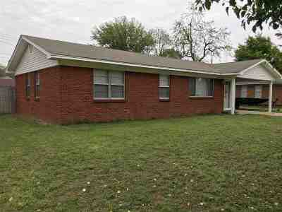 Single Family Home For Sale: 1006 Estelle