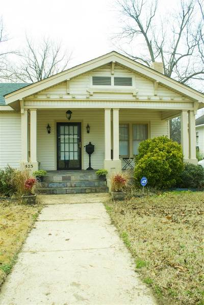 Single Family Home For Sale: 425 W Oak