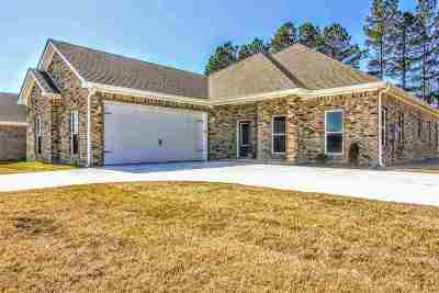 Jonesboro Single Family Home For Sale: 701 Old Bridger Road