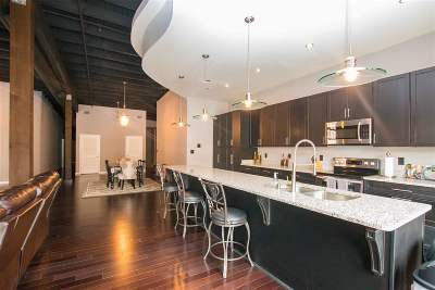 Jonesboro Condo/Townhouse For Sale: 305 S Main St