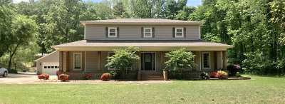 Jonesboro Single Family Home For Sale: 1300 Ridge Oak Lane