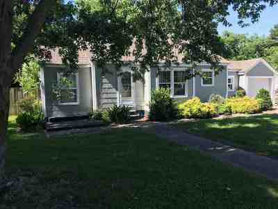 Single Family Home For Sale: 108 Nancy