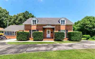 Greene County Single Family Home For Sale: 801 W Court Street