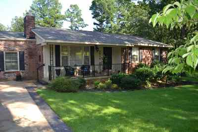 Jonesboro Single Family Home For Sale: 3920 Kaye Lane