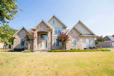 Jonesboro Single Family Home For Sale: 2010 Jamestown Dr.