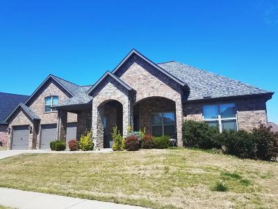 Bentonville Single Family Home For Sale: 4205 NE Blue Spruce