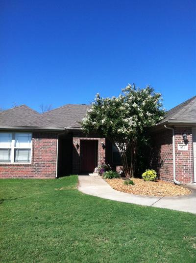 Centerton Single Family Home For Sale: 551 Dassero