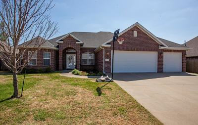 Centerton Single Family Home For Sale: 1042 Tarah Knolls Cir