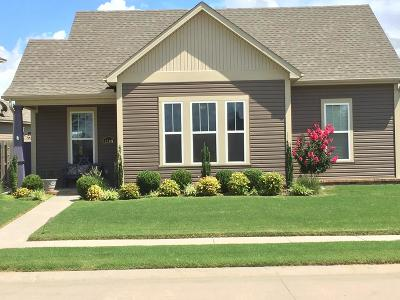 Fayetteville Single Family Home For Sale: 1140 S Oxbow Way