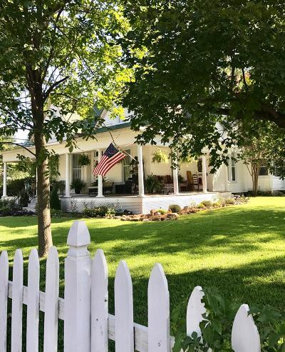 Prairie Grove Single Family Home For Sale: 163 N Mock St