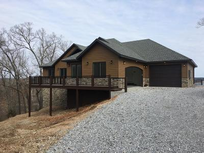Fayetteville Single Family Home For Sale: 1782 Fox Hunter Rd