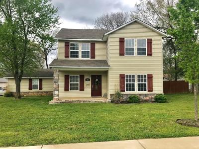 Bentonville Single Family Home For Sale: 901 E Central Ave.